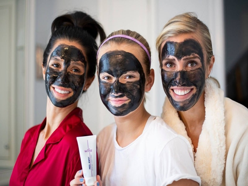 moms n co charcoal face pack review