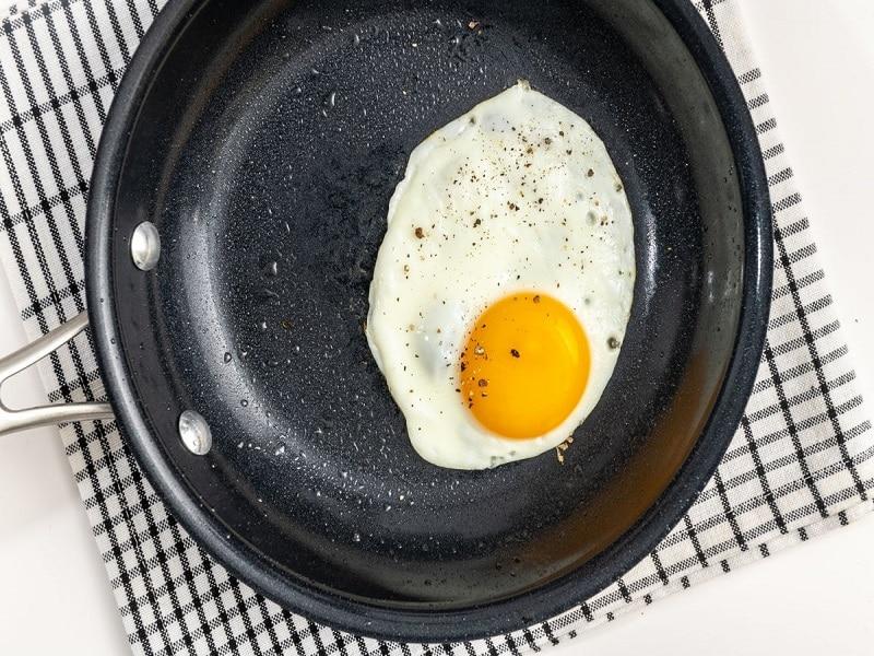 avoid eating eggs in sunny day