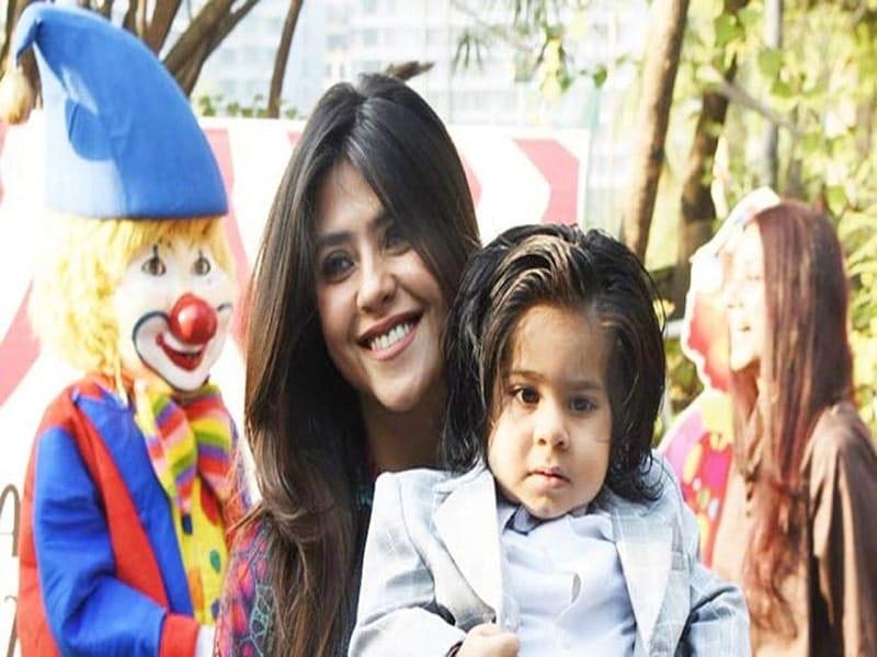 ekta kappor with son
